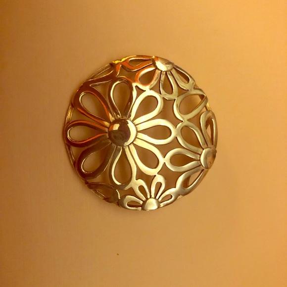 Jewelry - NWOT Daisy Broach Sterling Silver